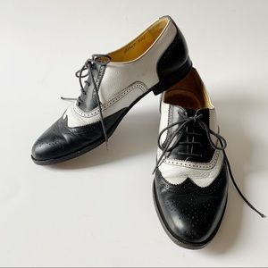 Vintage leather loafer saddle shoes. 1950s style.